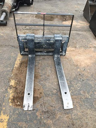 Toro 22341 Forklift Attachment