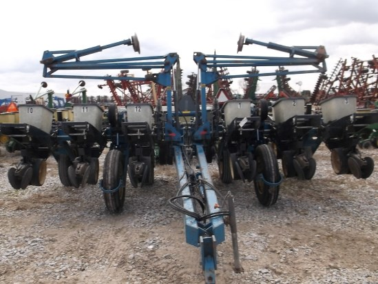1993 Kinze 2200 Planter For Sale