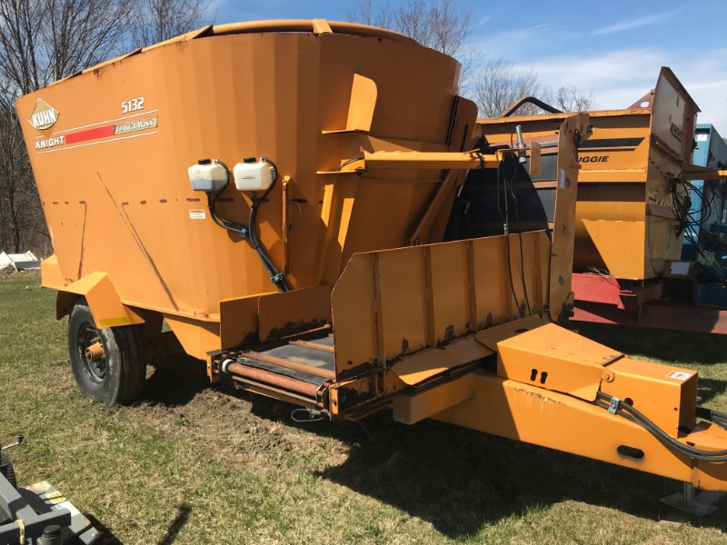 Knight 5132 Feeder Wagon-Power For Sale