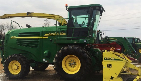 2005 John Deere 7400 Forage Harvester-Self Propelled For Sale