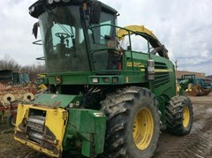 Forage Harvester-Self Propelled For Sale 2006 John Deere 7400