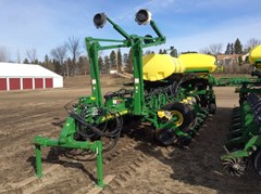 Planter For Sale:  2013 John Deere 1770NT CCS
