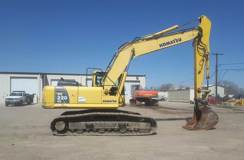 2006 Komatsu PC220LC-8 Excavator For Sale