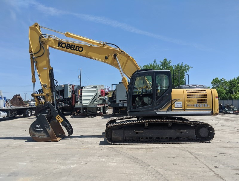 2014 Kobelco SK210LC-9 Excavator For Sale