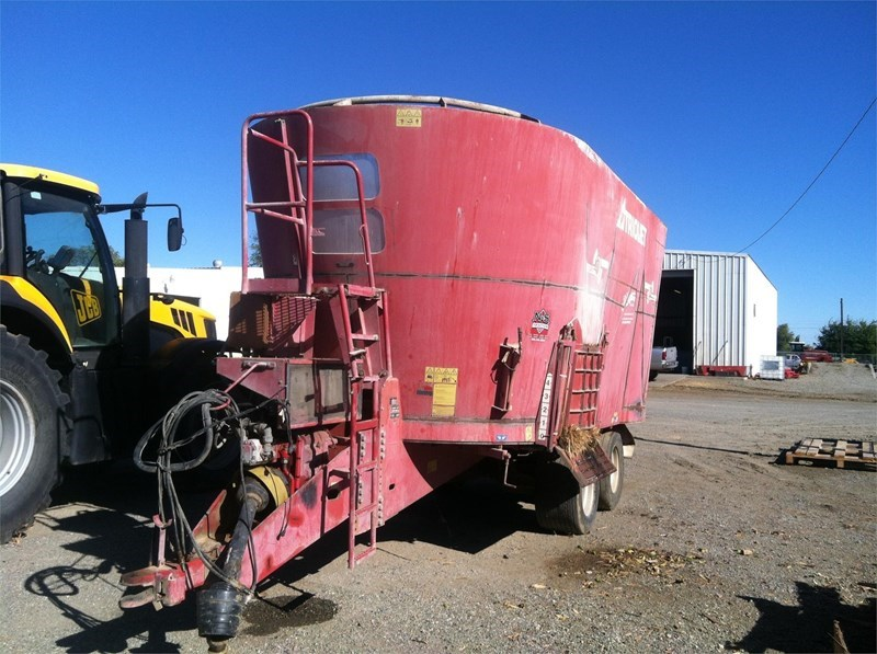 Trioliet SOLOMIX 2-3200ZK T Feeder Wagon-Portable For Sale