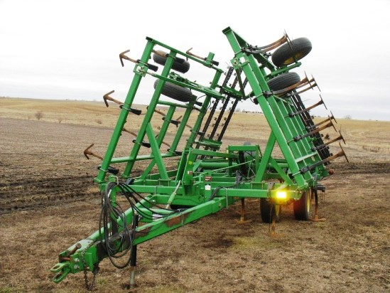 1997 John Deere 980 Field Cultivator For Sale