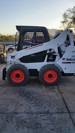 Skid Steer :  Bobcat S530 T4