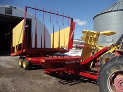 Bale Wagon-Pull Type For Sale 1976 New Holland 1033