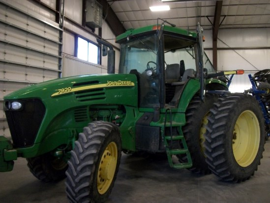 2006 John Deere 7920 Tractor For Sale