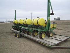 Planter For Sale:  1989 John Deere 7200