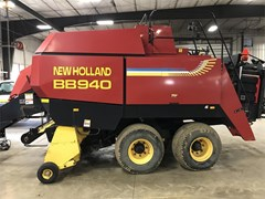 Baler-Square For Sale:  2000 New Holland BB940RT