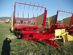 Bale Wagon-Pull Type For Sale 1978 New Holland 1033