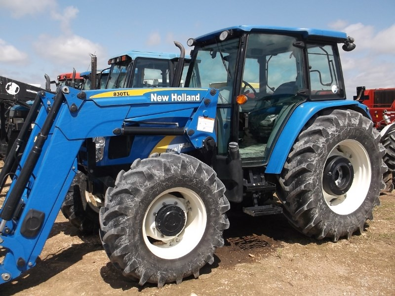 2010 New Holland T5060 Tractor For Sale