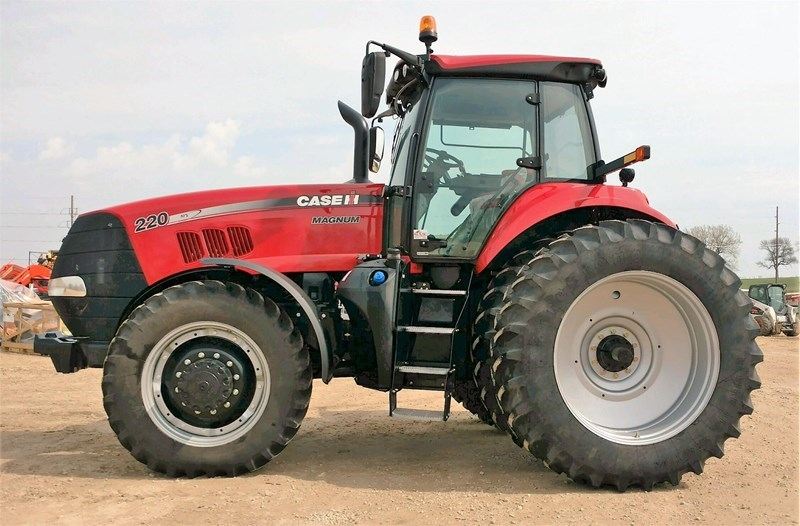 2014 Case IH MAGNUM 220 Tractor For Sale
