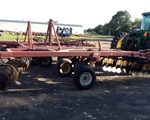 Disk Harrow For Sale: 2005 Sunflower 1434-26