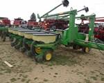 Planter For Sale:  John Deere 7200