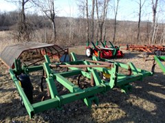 Plow-Chisel For Sale John Deere 1600
