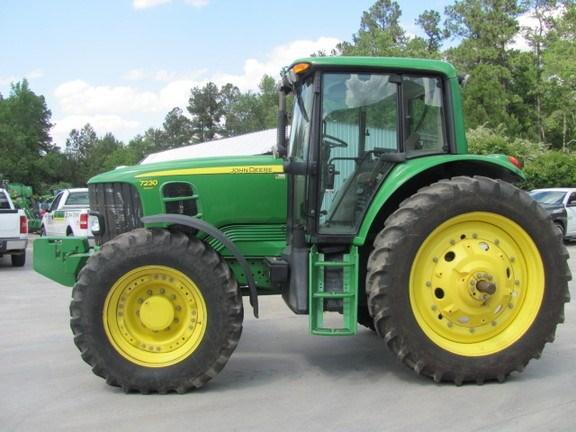 2010 John Deere 7230 Premium Tractor For Sale