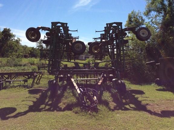 2003 John Deere 2200 Field Cultivator For Sale