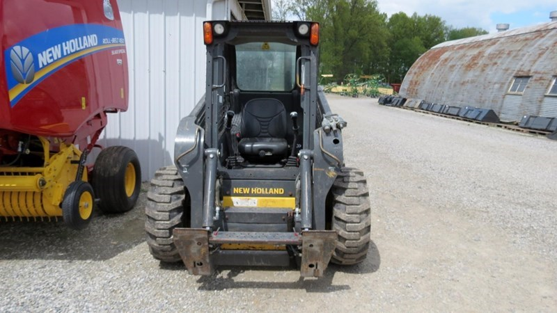 2013 New Holland L220 Skid Steer For Sale