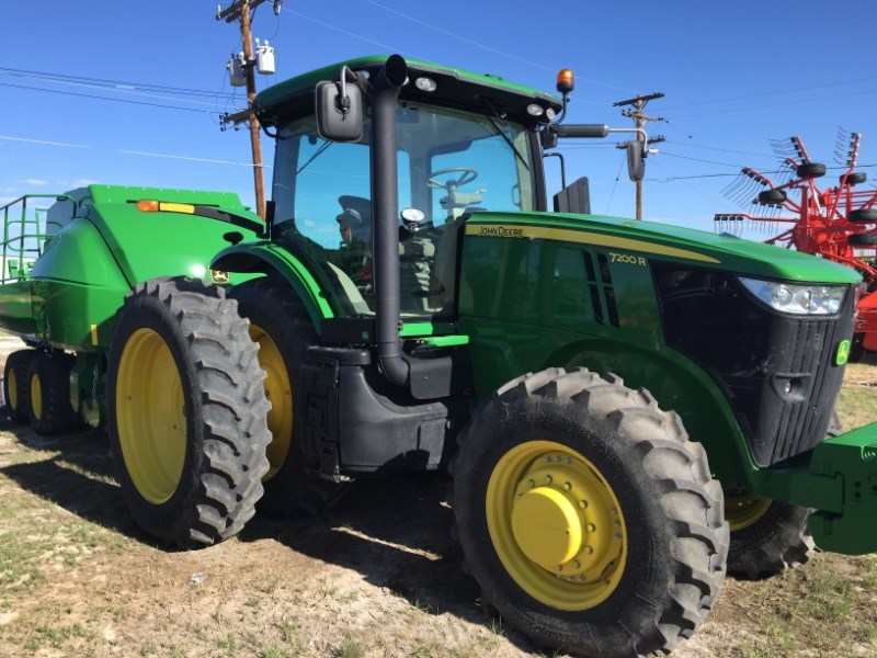2013 John Deere 7200R Tractor For Sale