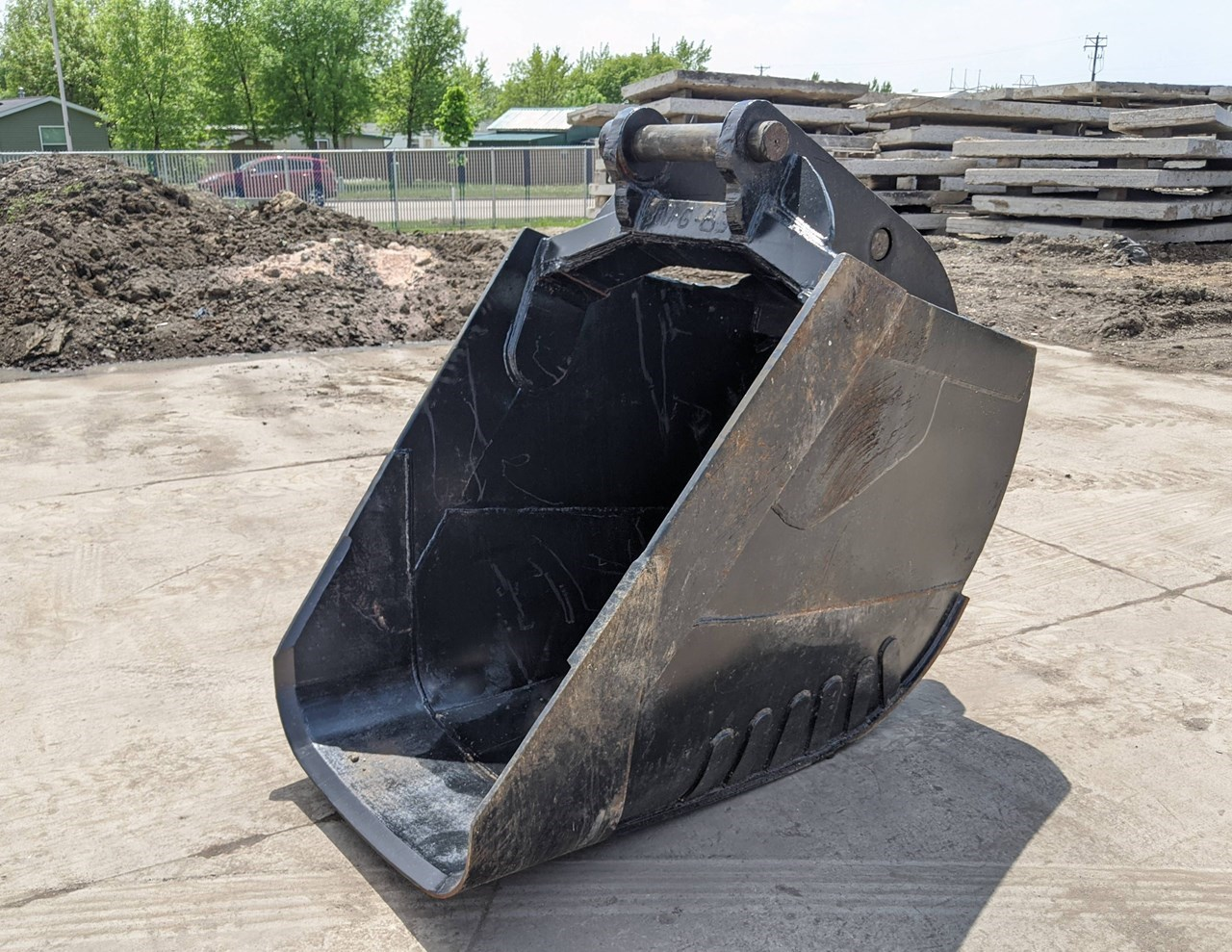EMPIRE PC300S Excavator Bucket For Sale