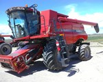 Combine For Sale: 2013 Case IH 7230, 380 HP