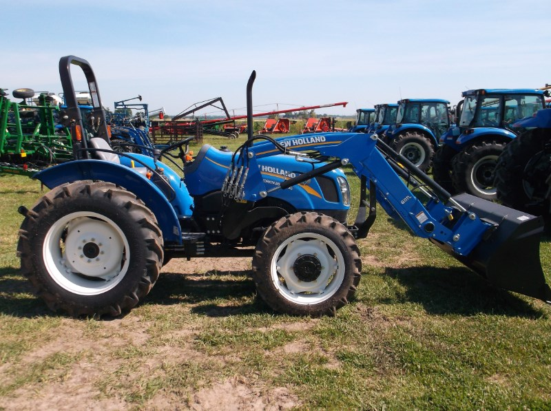 New Holland (NEW) Workmaster 50 4x4 Ag Tires Tractor For Sale