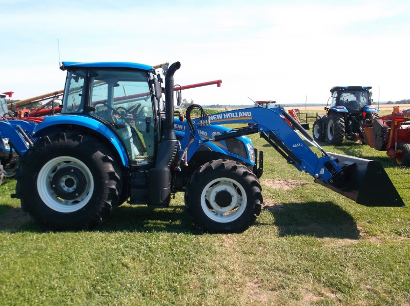 New Holland (NEW) T4.100 Utility 4x4 w/ Loader Tractor For Sale