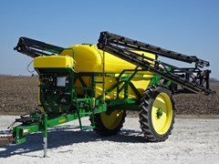 Sprayer-Pull Type For Sale 2006 Redball 570-1200