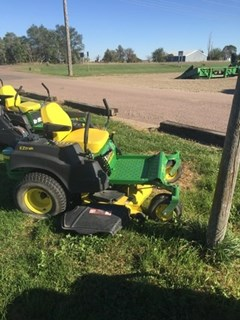 Riding Mower For Sale:  2011 John Deere Z445 , 27 HP