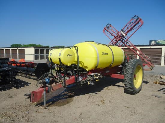 1999 Demco HT Sprayer-Pull Type For Sale