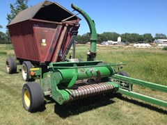 Forage Harvester-Pull Type For Sale:  2004 John Deere 3975