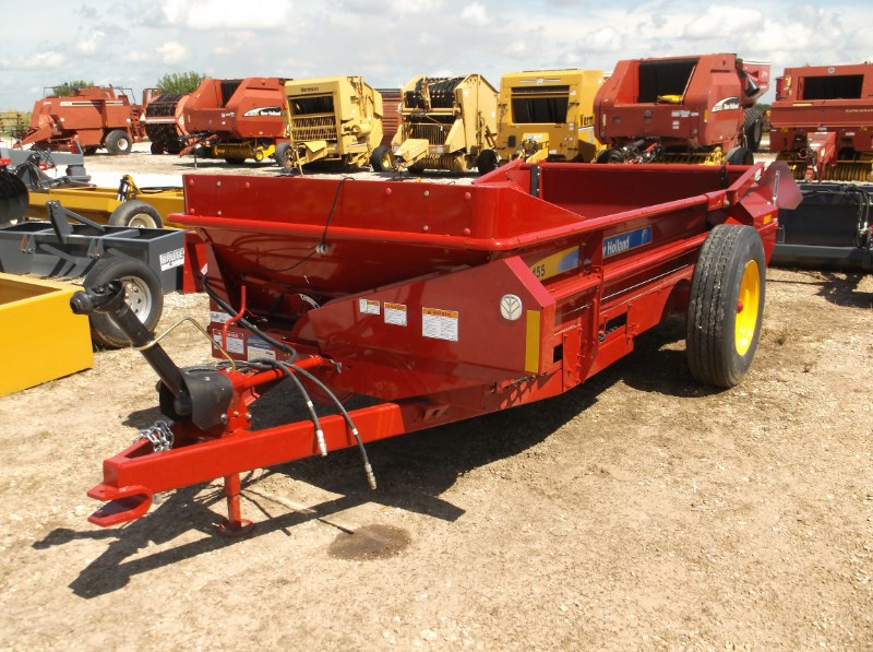 New Holland (NEW) 155 Manure Spreader-Dry/Pull Type For Sale