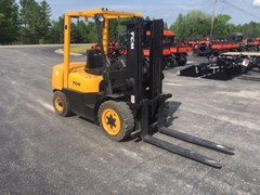 Lift Truck/Fork Lift-Industrial For Sale:   TCM FD30Z5T