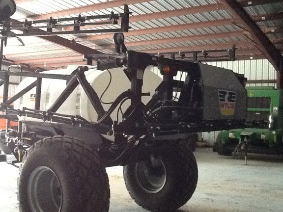 2016 Wylie 1000 gallon 60 boom Sprayer-Pull Type For Sale