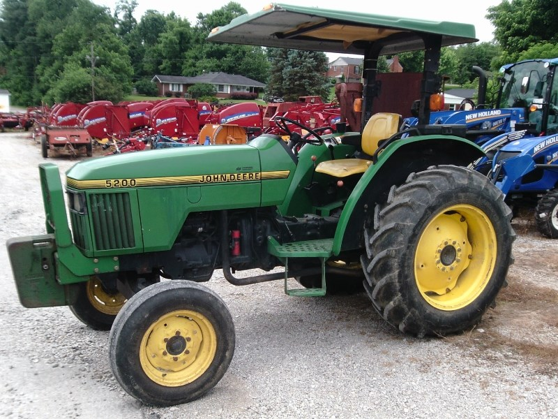 1995 John Deere 5200 Tractor For Sale