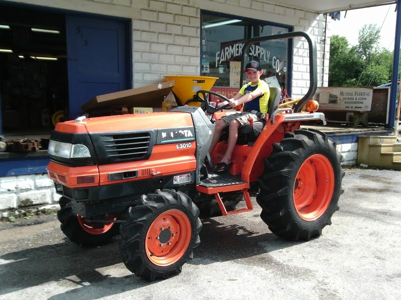 2001 Kubota L3010 Tractor For Sale