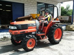 Tractor For Sale 2001 Kubota L3010 , 25 HP