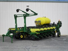 Planter For Sale 2005 John Deere 1770