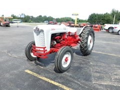 Tractor For Sale:   Ford 600