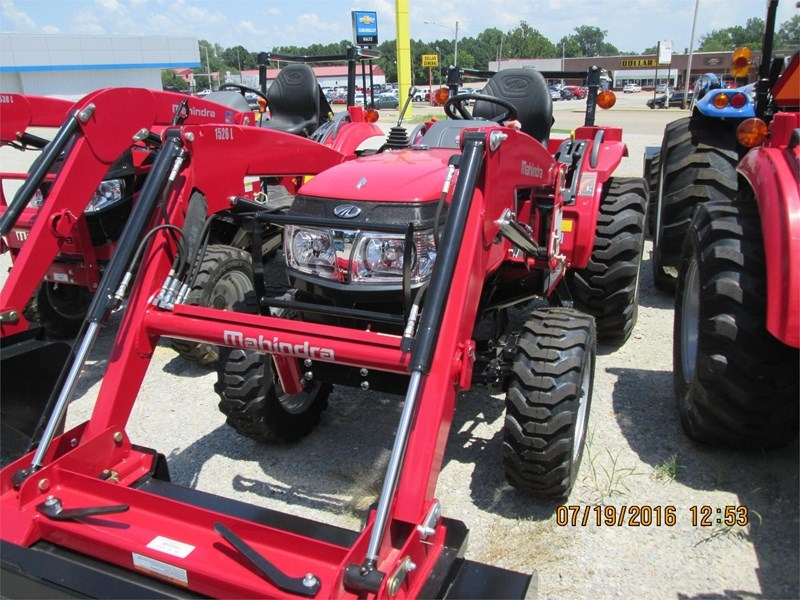 2016 Mahindra 1526 Tractor For Sale