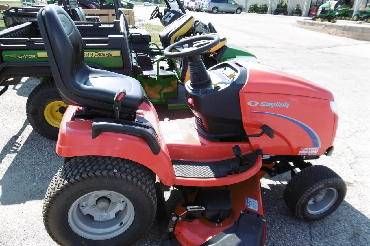 2009 Simplicity Conquest 23 Riding Mower For Sale