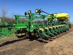 Planter For Sale:  2013 John Deere DB60