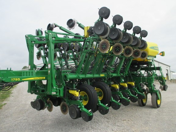 2016 John Deere 1795 Planter For Sale