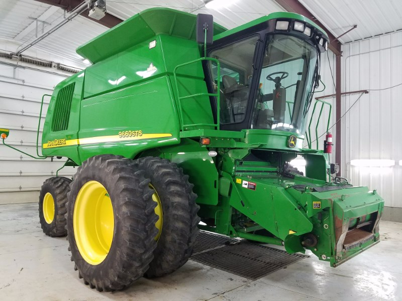 2004 John Deere 9660STS Combine For Sale