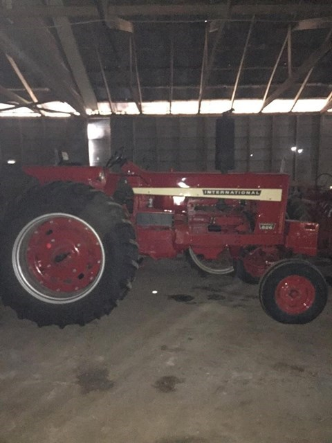 1970 International 826 Tractor For Sale