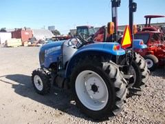 Tractor  2016 New Holland BOOMER 33 , 33 HP