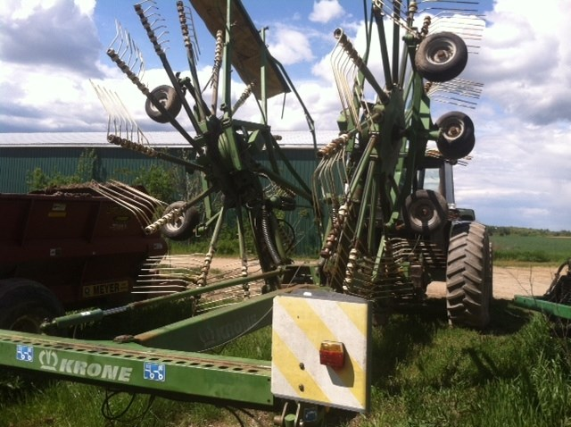 2001 Krone 1401 Hay Rake-Rotary For Sale
