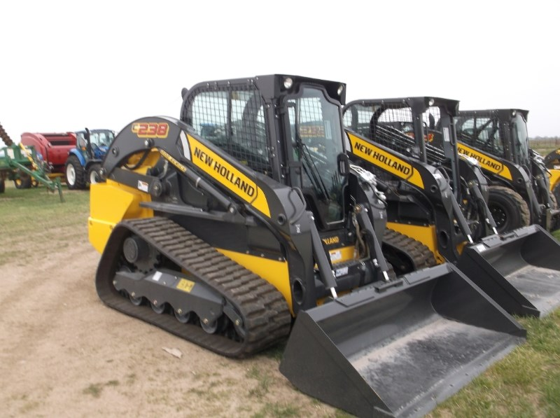 New Holland (NEW) C238 Cab Pilot Controls Skid Steer For Sale